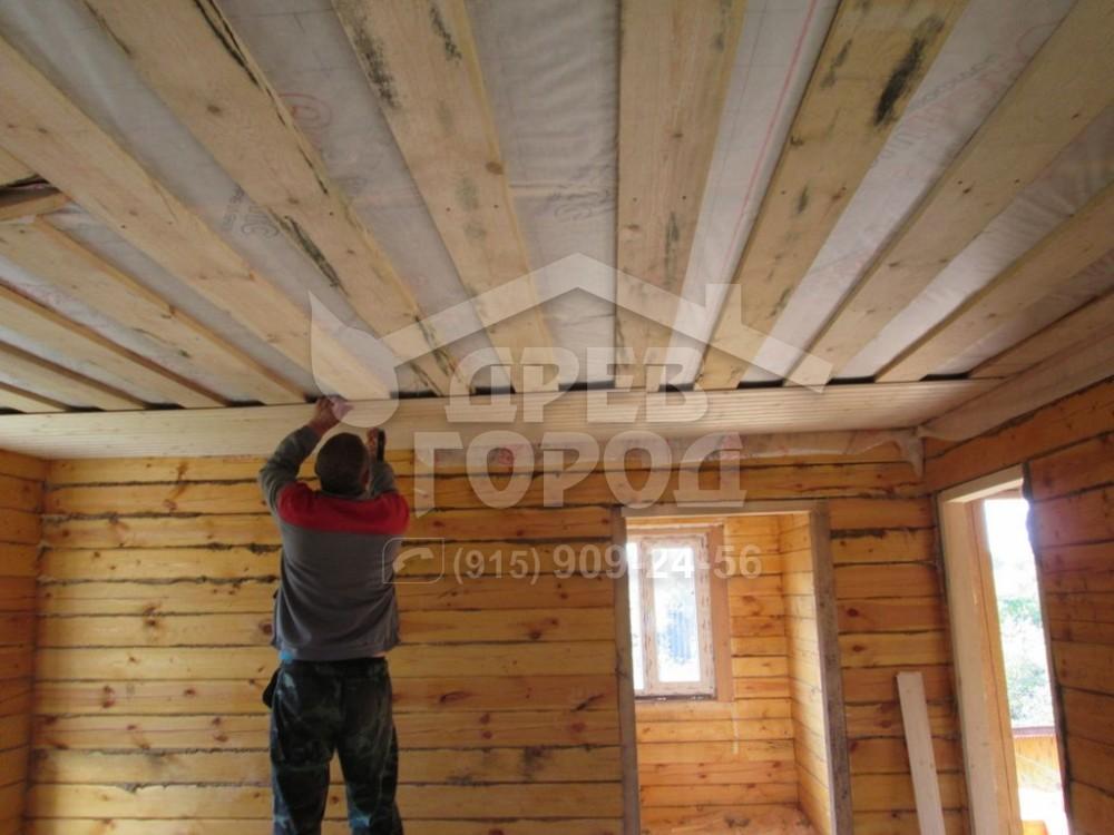 Обшиваем потолок вагонкой своими руками