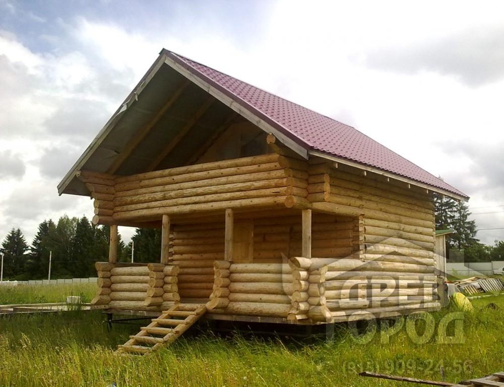 """Больщой дом из бревна с террасой и балконом """"древгород"""" моск."""